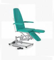 Cadeira de podologia elétrica s/ função Trendelemburg. Estrutura em aço acabamento epoxy